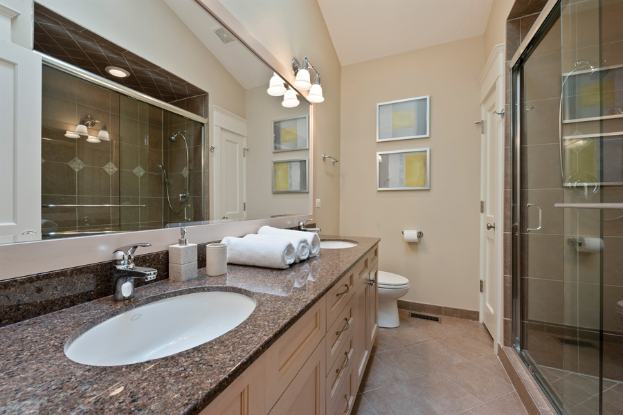 Real Estate Photography - 710 Elder Ct., Glencoe, IL, 60022 - Hall Bath