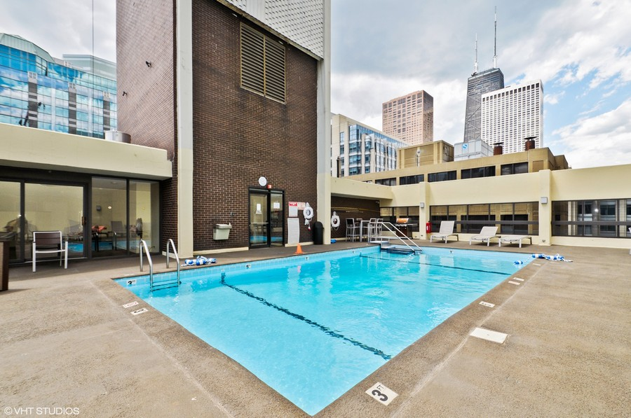 Real Estate Photography - 230 E Ontario St, 1603, Chicago, IL, 60611 - Outdoor Rooftop Pool