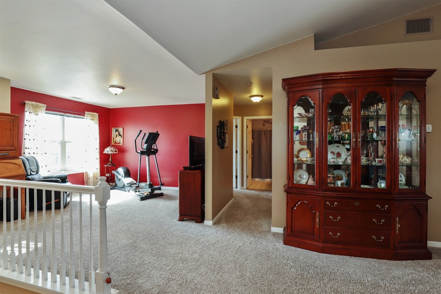 Real Estate Photography - 6868 W MOUNT VERNON, GURNEE, IL, 60031 - Loft