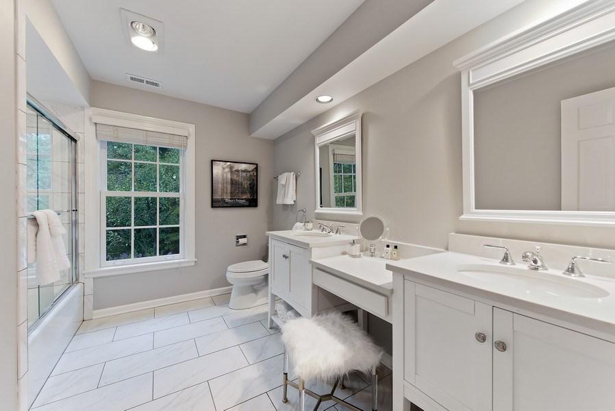 Real Estate Photography - 650 Sheridan Road, Winnetka, IL, 60093 - 2nd Bathroom
