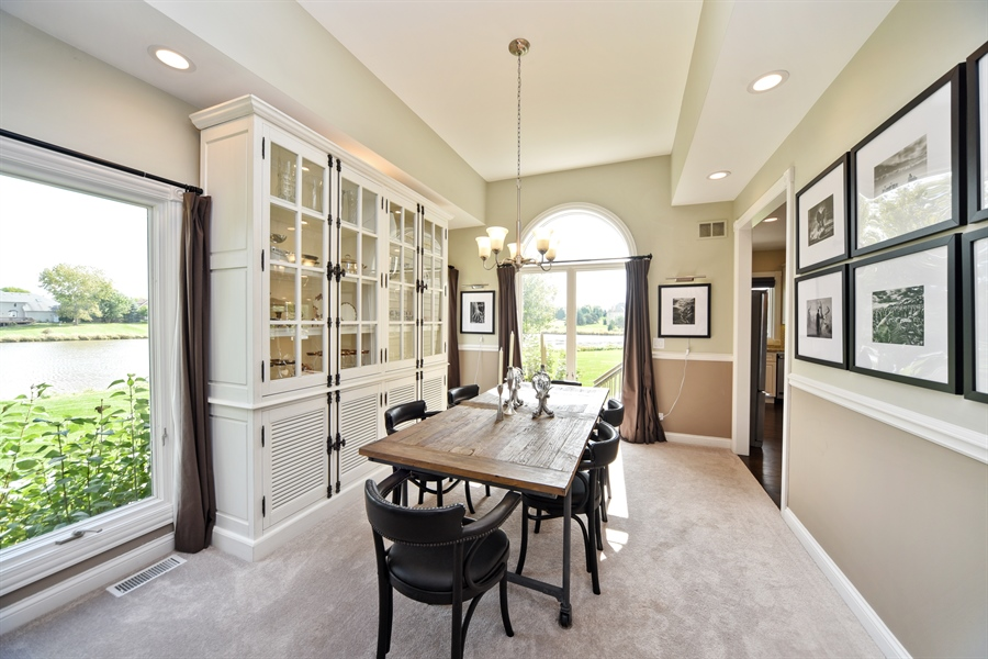 Real Estate Photography - 2 E Prairie Ct, Hawthorn Woods, IL, 60047 - Dining Room