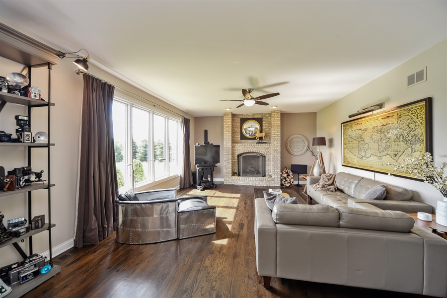 Real Estate Photography - 2 E Prairie Ct, Hawthorn Woods, IL, 60047 - Family Room