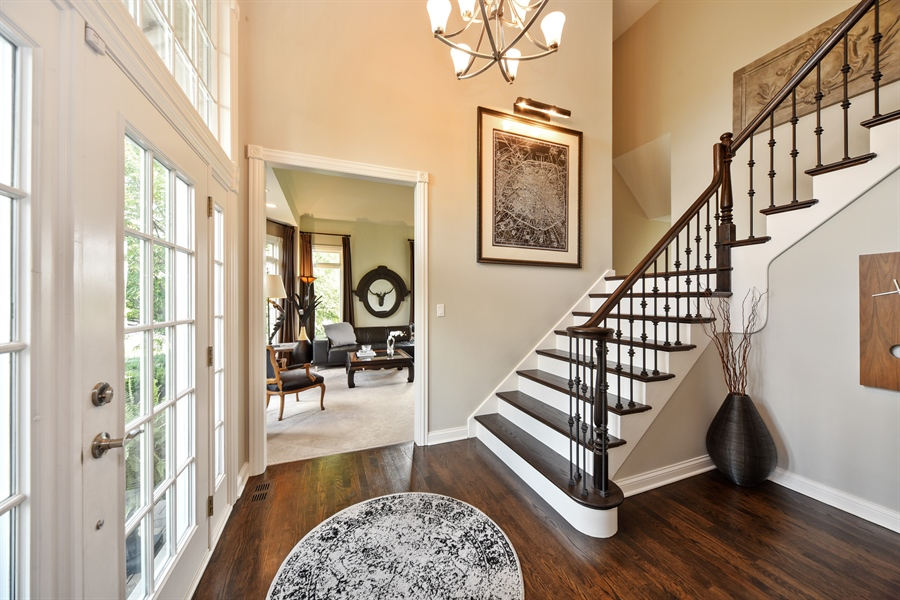 Real Estate Photography - 2 E Prairie Ct, Hawthorn Woods, IL, 60047 - Foyer