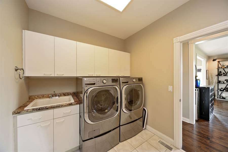 Real Estate Photography - 2 E Prairie Ct, Hawthorn Woods, IL, 60047 - Laundry Room