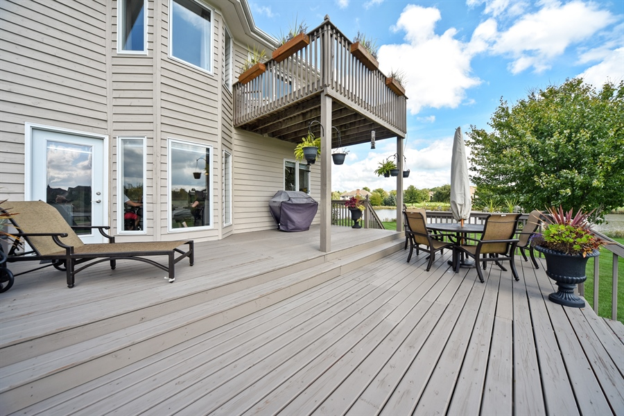 Real Estate Photography - 2 E Prairie Ct, Hawthorn Woods, IL, 60047 - Deck