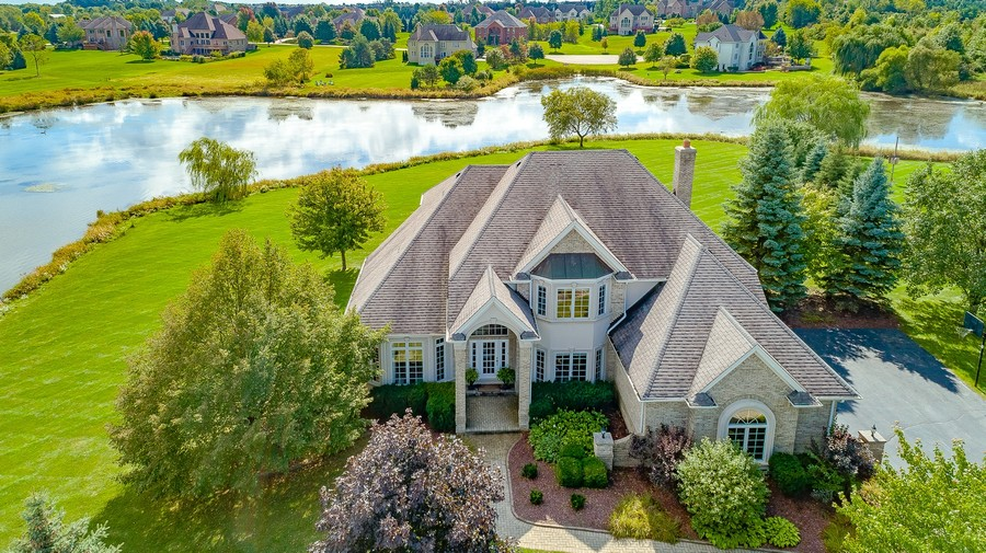 Real Estate Photography - 2 E Prairie Ct, Hawthorn Woods, IL, 60047 -