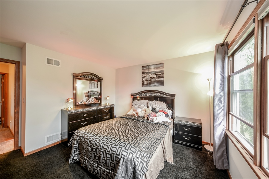 Real Estate Photography - 578 Yardley, Mundelein, IL, 60060 - 3rd Bedroom