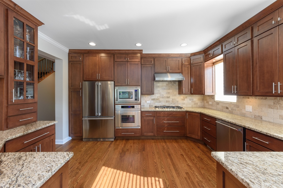 Real Estate Photography - 23858 N Lakeside DR, Lake Zurich, IL, 60047 - Kitchen
