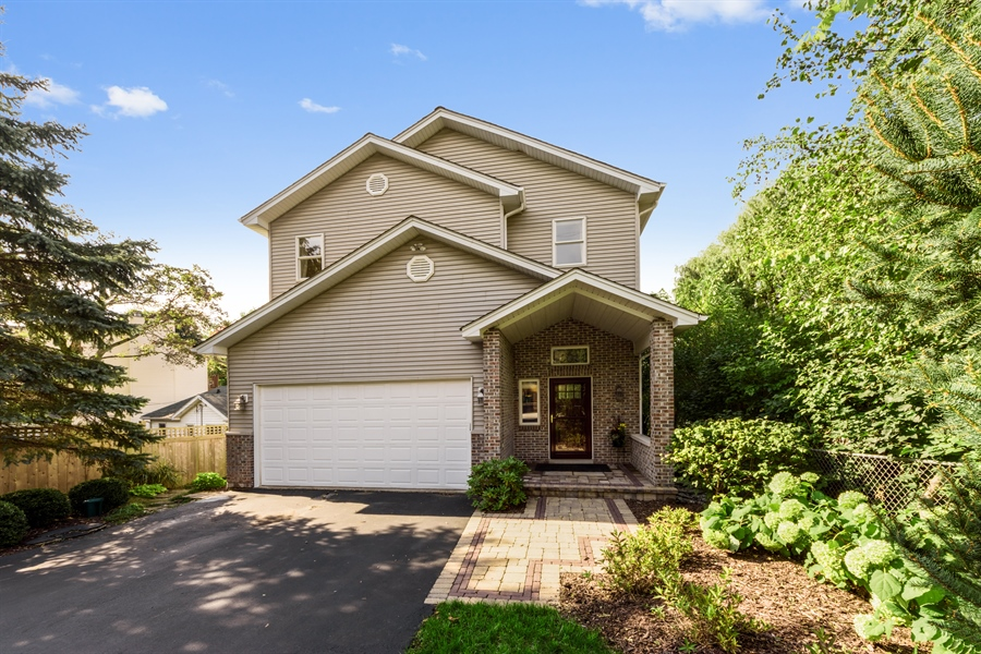 Real Estate Photography - 23858 N Lakeside DR, Lake Zurich, IL, 60047 - Front View