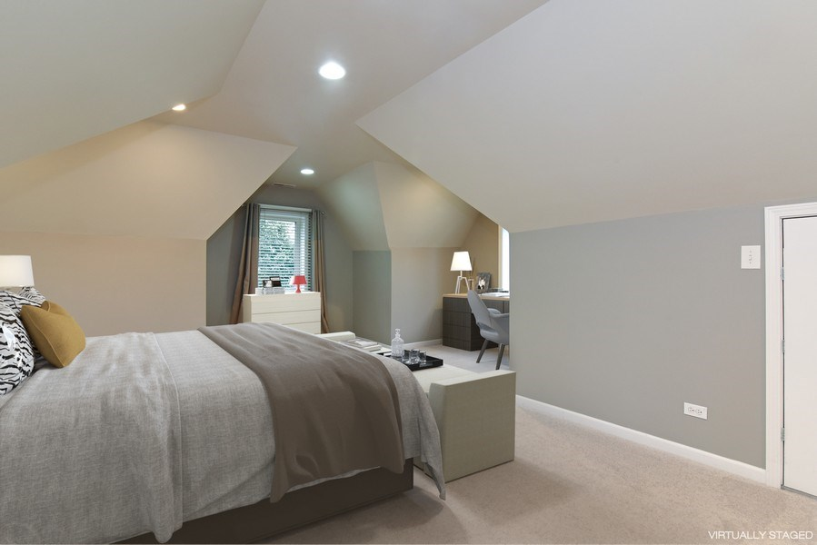 Real Estate Photography - 4915 Sherwin Ave, Skokie, IL, 60077 - Master Bedroom