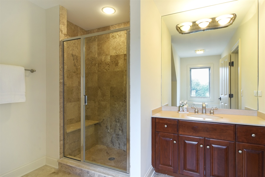Real Estate Photography - 20817 west high ridge drive, kildeer, IL, 60047 - Bathroom