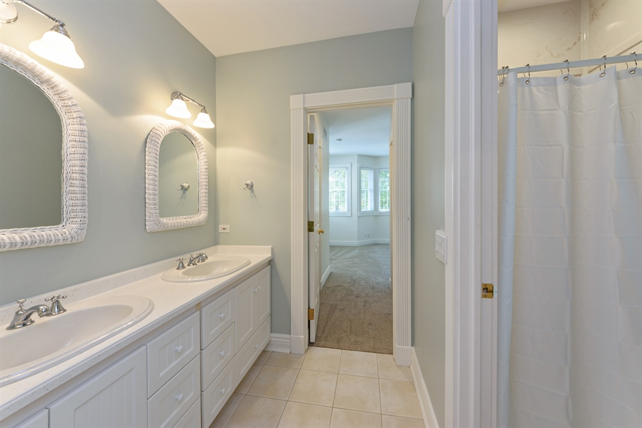 Real Estate Photography - 21227 W Andover Dr, Mundelein, IL, 60060 - 3rd Bathroom - Jack-n-Jill