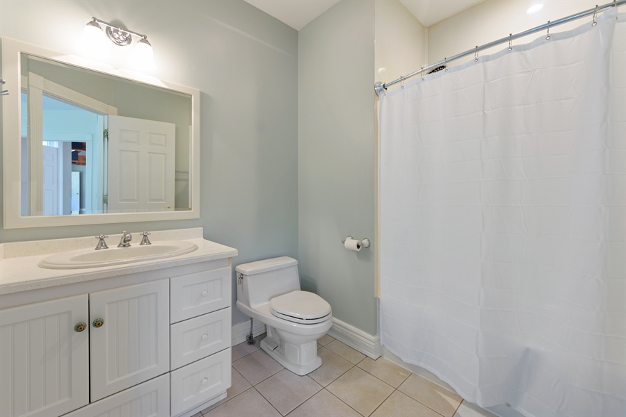 Real Estate Photography - 21227 W Andover Dr, Mundelein, IL, 60060 - 2nd Bathroom