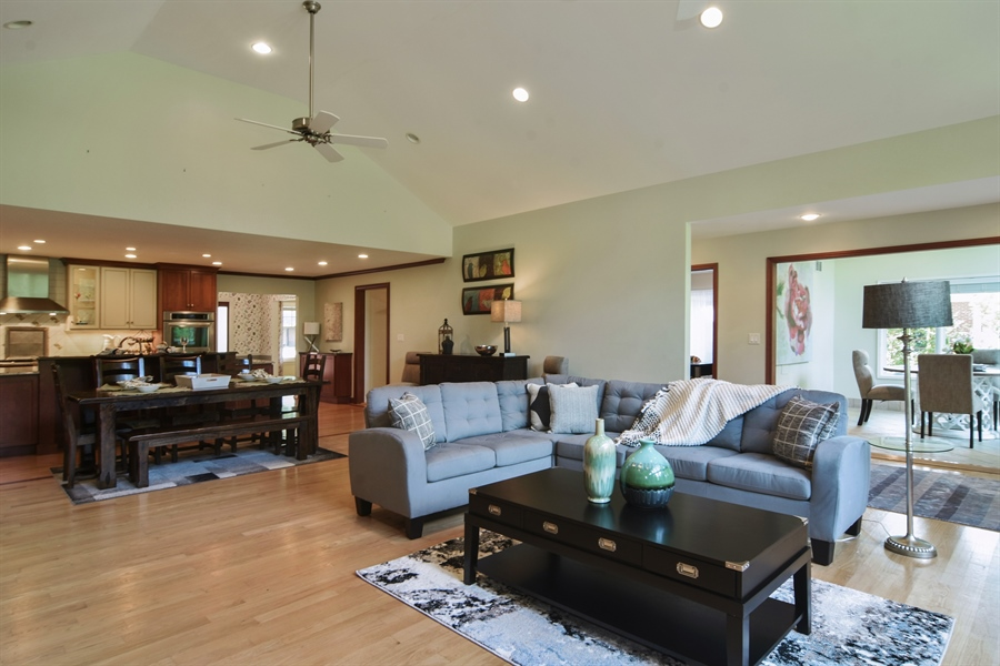 Real Estate Photography - 734 S Belmont Avenue, Arlington Heights, IL, 60005 - Great Room