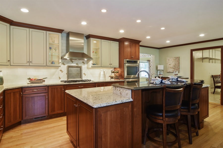 Real Estate Photography - 734 S Belmont Avenue, Arlington Heights, IL, 60005 - Kitchen