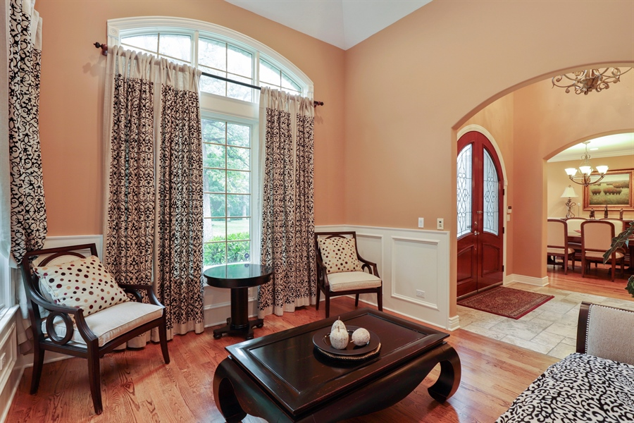 Real Estate Photography - 36 Plymouth, lincolnshire, IL, 60069 - Living Room