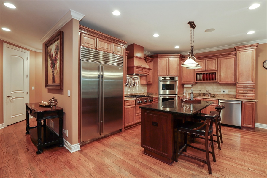 Real Estate Photography - 36 Plymouth, lincolnshire, IL, 60069 - Kitchen
