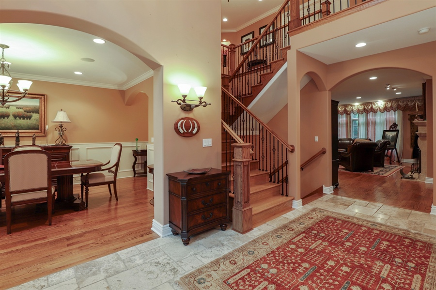 Real Estate Photography - 36 Plymouth, lincolnshire, IL, 60069 - Foyer