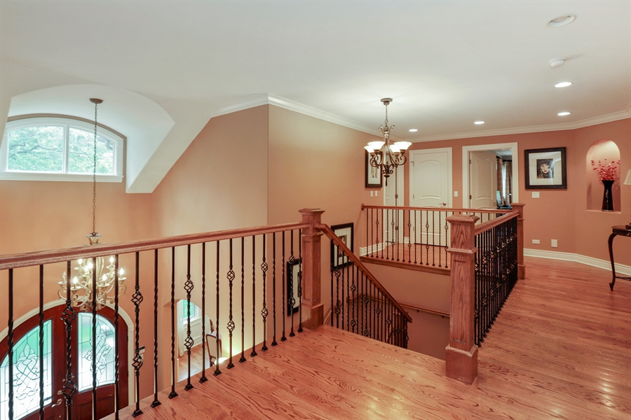 Real Estate Photography - 36 Plymouth, lincolnshire, IL, 60069 - Hallway