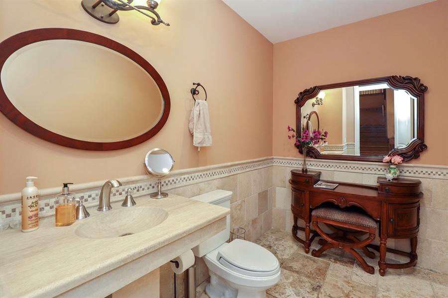 Real Estate Photography - 36 Plymouth, lincolnshire, IL, 60069 - Half Bath