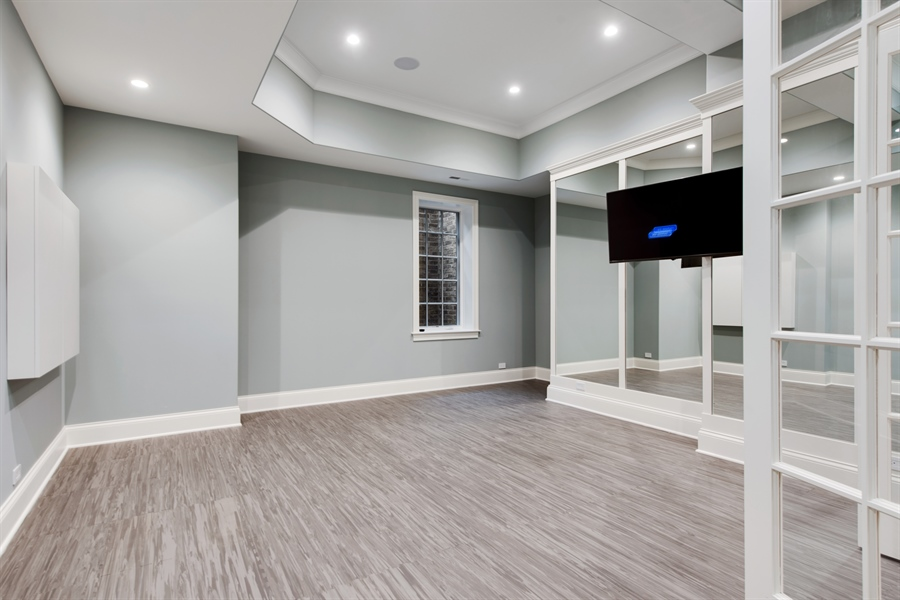 Real Estate Photography - 966 Pine Tree Ln, Winnetka, IL, 60093 - Exercise Room
