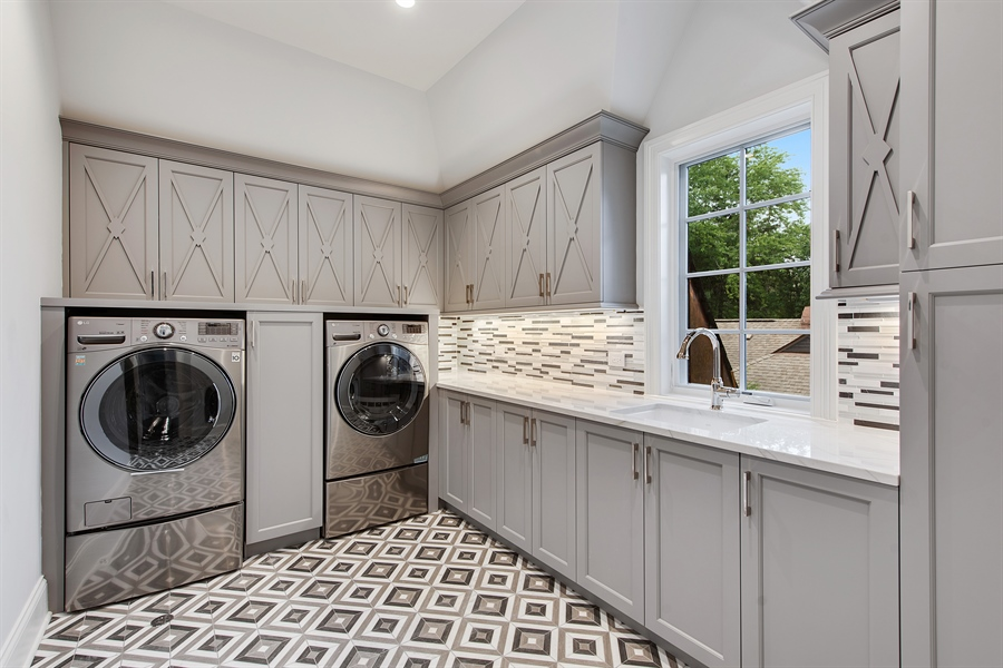Real Estate Photography - 966 Pine Tree Ln, Winnetka, IL, 60093 - Laundry Room