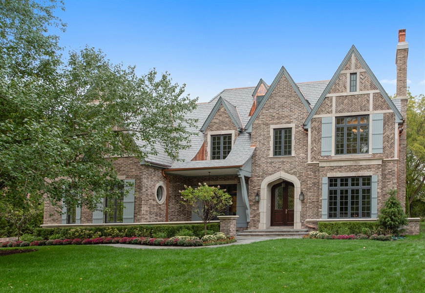 Real Estate Photography - 966 Pine Tree Ln, Winnetka, IL, 60093 - Front View
