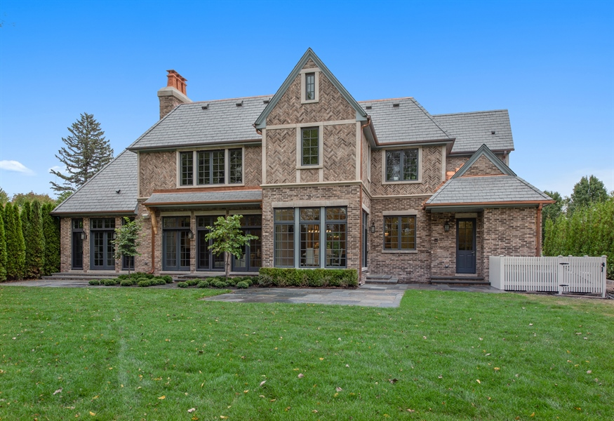 Real Estate Photography - 966 Pine Tree Ln, Winnetka, IL, 60093 - Rear View