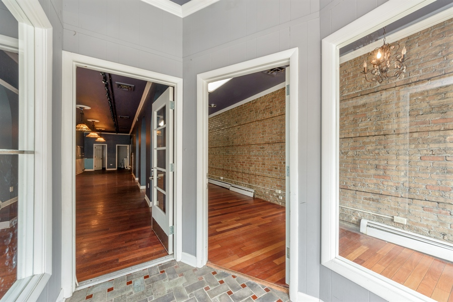 Real Estate Photography - 113 S Cook Street, Barrington, IL, 60010 - Entryway