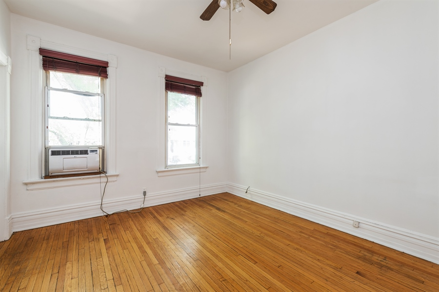 Real Estate Photography - 2239 W Fletcher St, Chicago, IL, 60614 - Living Room