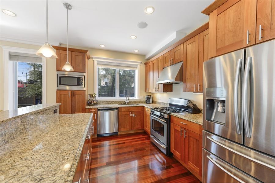 Real Estate Photography - 744 W Belmont Ave, Unit 1F, Chicago, IL, 60657 - Kitchen