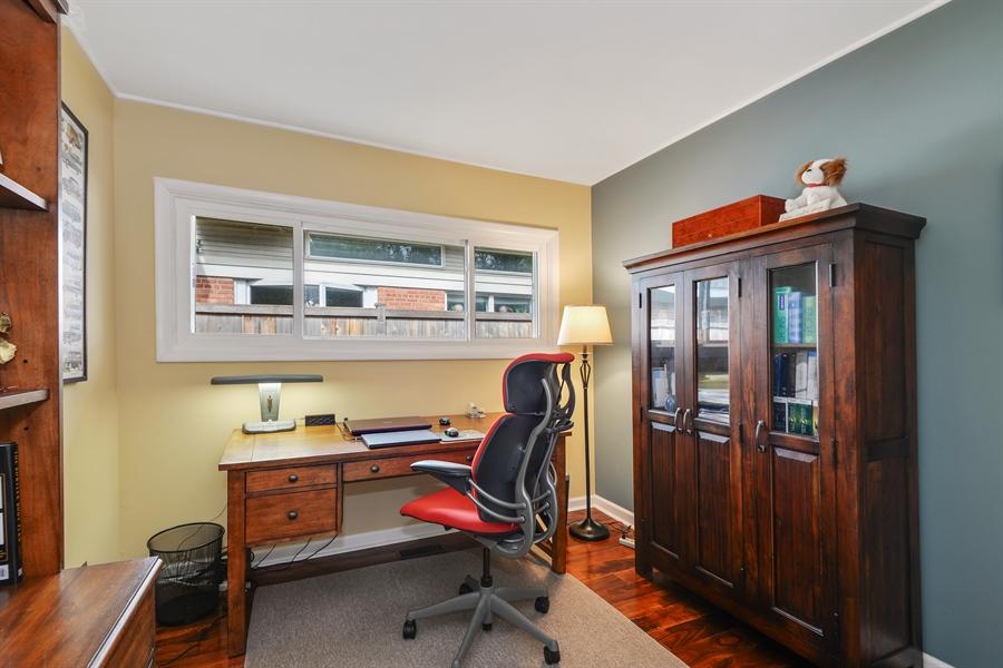 Real Estate Photography - 118 Lockerbie Ln, Wilmette, IL, 60091 - 4th Bedroom