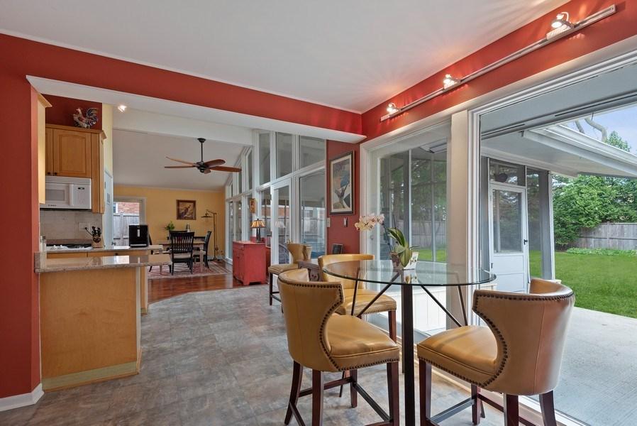 Real Estate Photography - 118 Lockerbie Ln, Wilmette, IL, 60091 - Breakfast Area