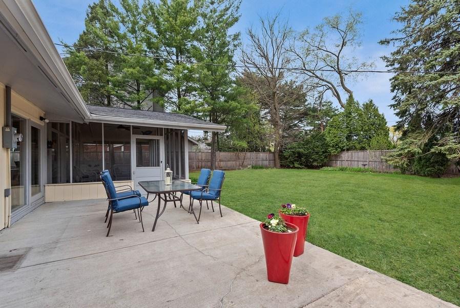 Real Estate Photography - 118 Lockerbie Ln, Wilmette, IL, 60091 - Patio