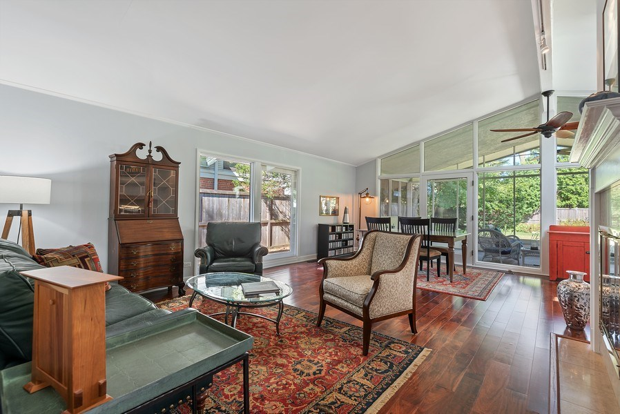 Real Estate Photography - 118 Lockerbie Ln, Wilmette, IL, 60091 - Living Room/Dining Room