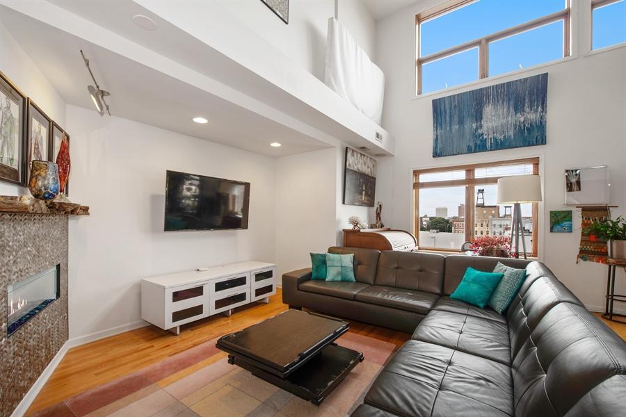 Real Estate Photography - 1373 Hubbard, Unit 4E, Chicago, IL, 60642 - Living Room