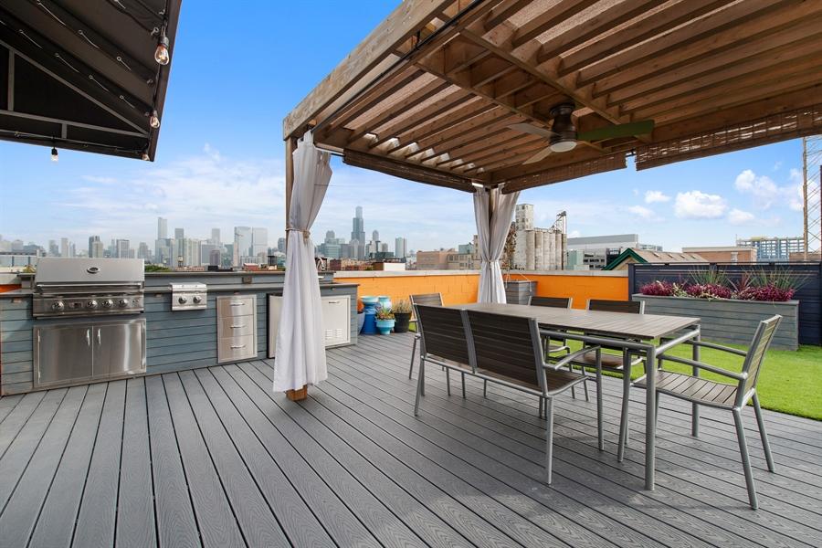 Real Estate Photography - 1373 Hubbard, Unit 4E, Chicago, IL, 60642 - Roof