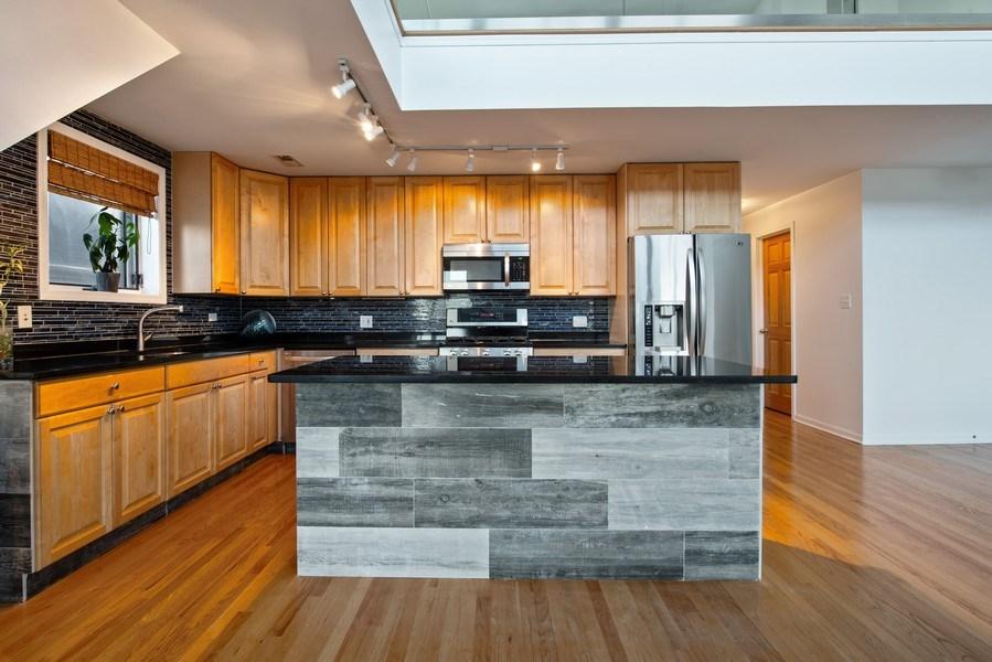 Real Estate Photography - 1373 Hubbard, Unit 4E, Chicago, IL, 60642 - Kitchen