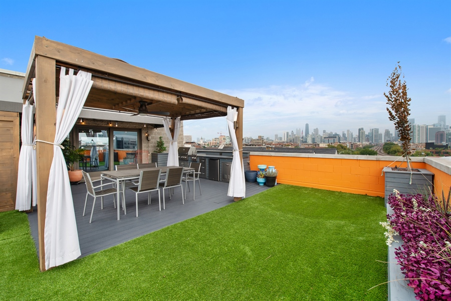 Real Estate Photography - 1373 Hubbard, Unit 4E, Chicago, IL, 60642 - Roof Deck