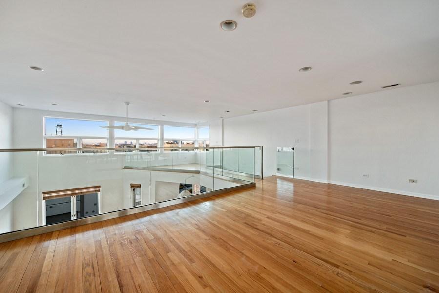 Real Estate Photography - 1373 Hubbard, Unit 4E, Chicago, IL, 60642 - Loft