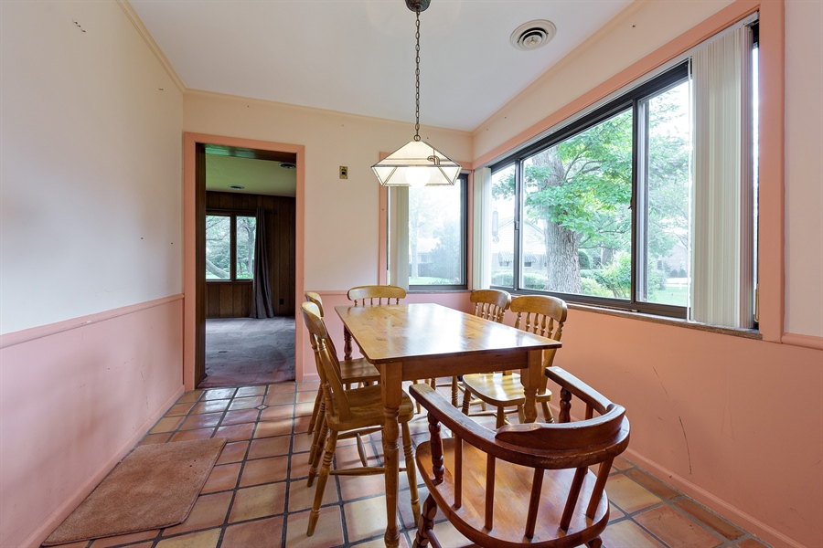 Real Estate Photography - 4050 Bunker Ln, Wilmette, IL, 60091 - Dining Room