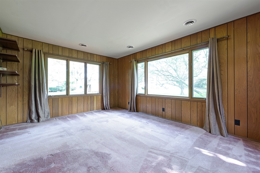 Real Estate Photography - 4050 Bunker Ln, Wilmette, IL, 60091 - Family Room