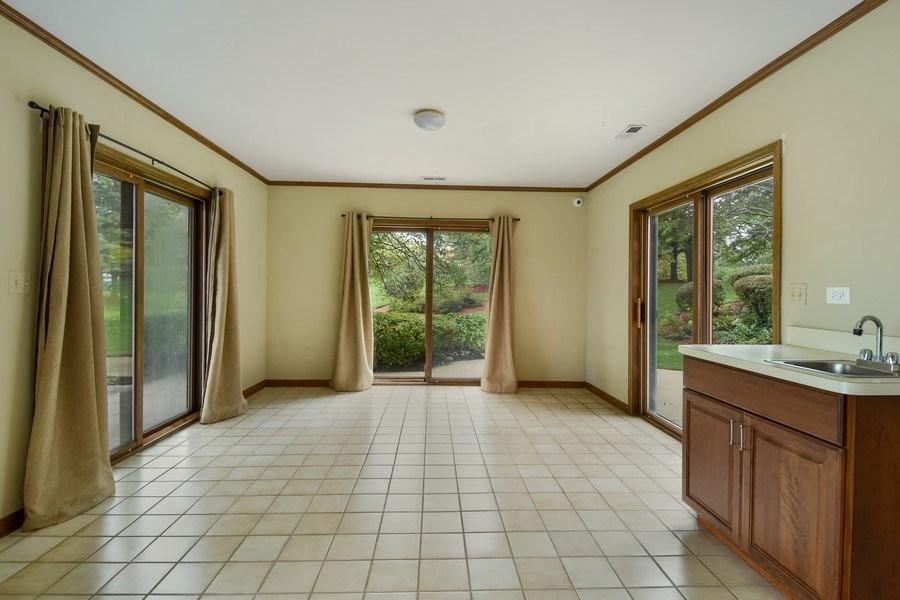 Real Estate Photography - 1 Brookhaven Cir, South Barrington, IL, 60010 - Atrium