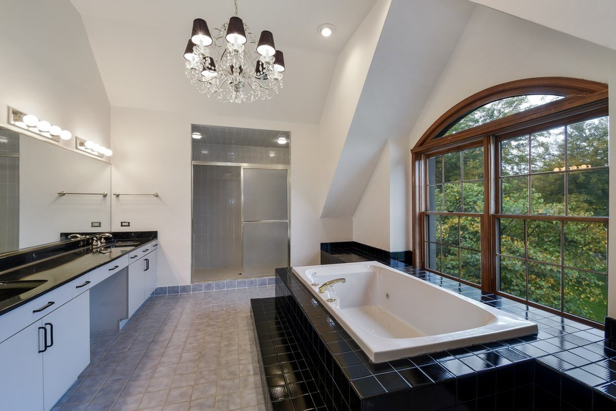 Real Estate Photography - 1 Brookhaven Cir, South Barrington, IL, 60010 - Master Bathroom