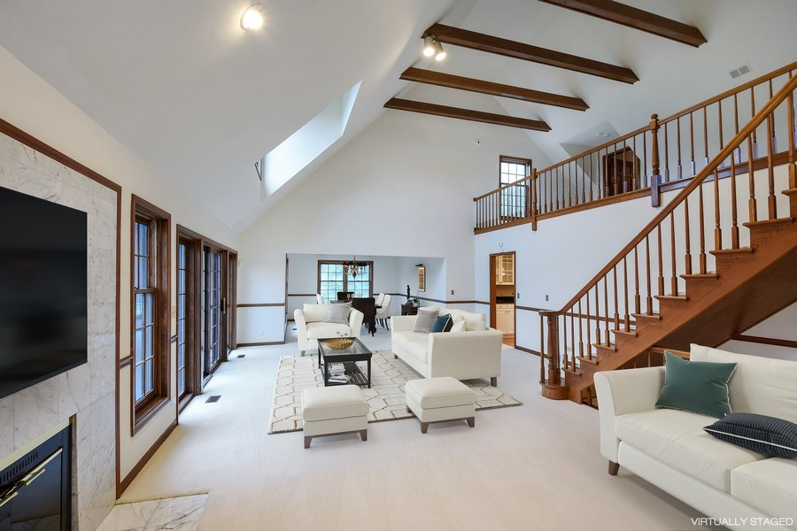 Real Estate Photography - 1 Brookhaven Cir, South Barrington, IL, 60010 - Living Room