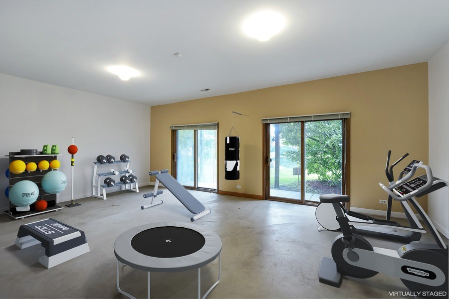 Real Estate Photography - 1 Brookhaven Cir, South Barrington, IL, 60010 - Fitness Room