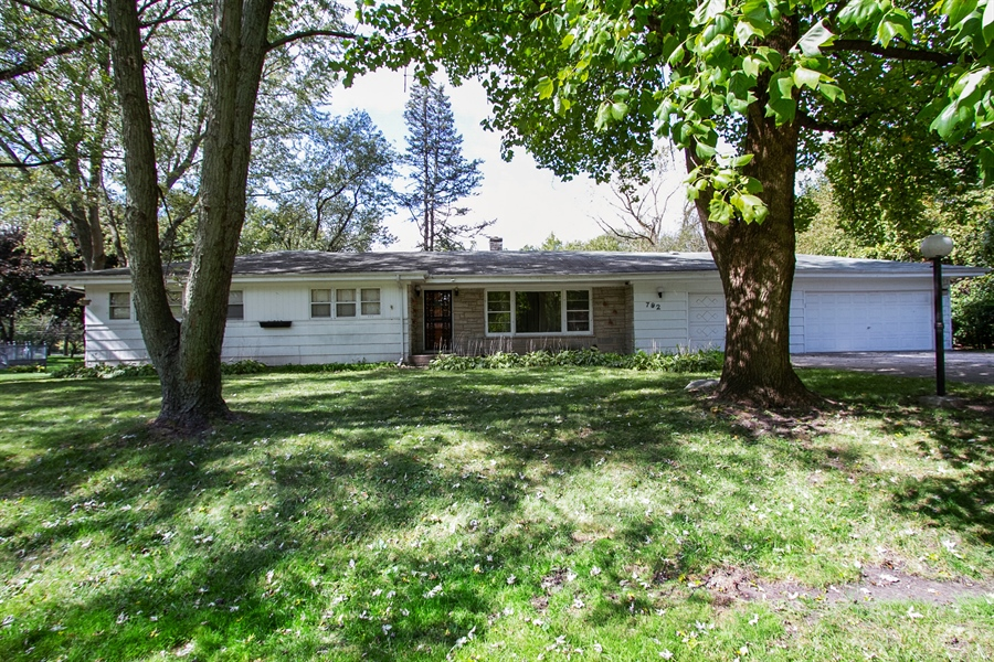 Real Estate Photography - 792 Cumnock, Olympia Fields, IL, 60461 - Front View