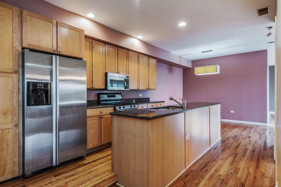 Real Estate Photography - 912 West Chicago Avenue, 201, Chicago, IL, 60642 - Kitchen