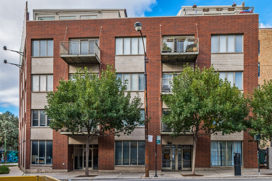 Real Estate Photography - 912 West Chicago Avenue, 201, Chicago, IL, 60642 - Front View