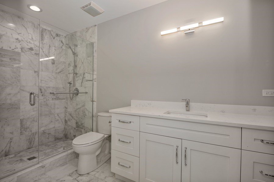 Real Estate Photography - 711 Juniper Rd, Glenview, IL, 60026 - 4th Bathroom